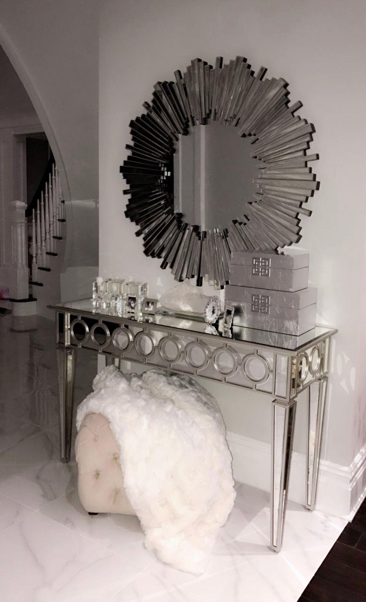 Tuve silver room decor