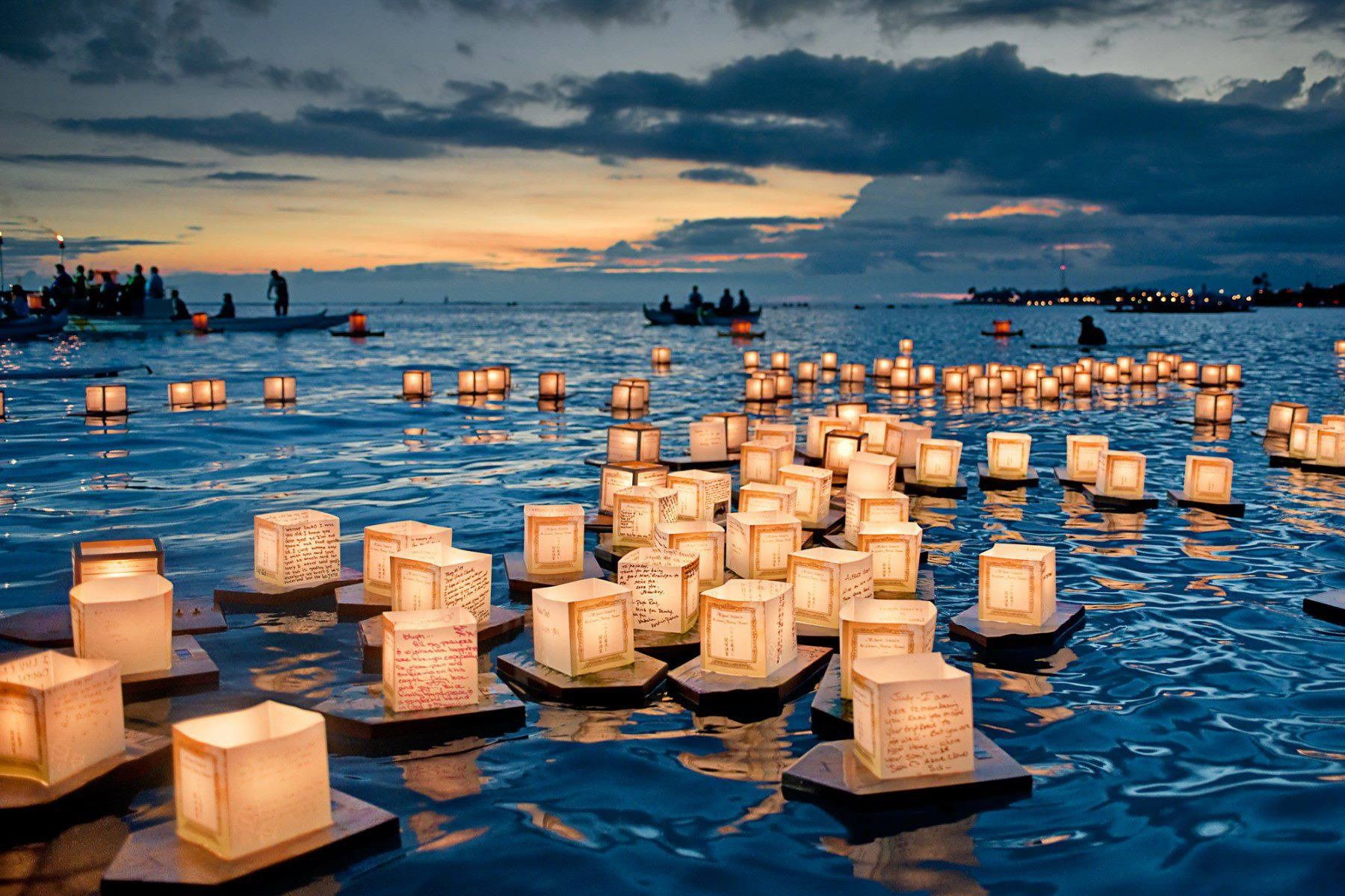 Honolulu Hawaii Attractions Bucket List Floating Lanterns