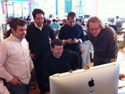 24 Must-Read Blogs For Entrepreneurs  http://www.businessinsider.com/24-must-read-blogs-for-entrepreneurs-2012-6#quora-1