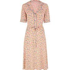 Cath Kidston washed daisy dress, AKA I'm-walking-along-Brighton-Beach-in-1947 dress.