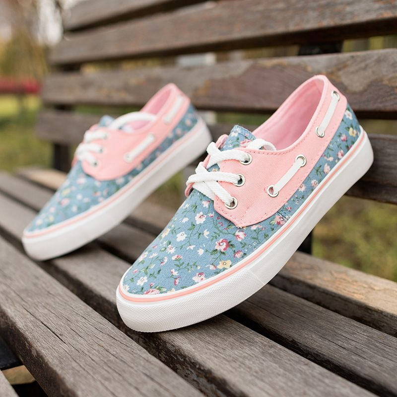 womens Skateboarding Shoes Canvas spring flowers bloom Sport Sneaker