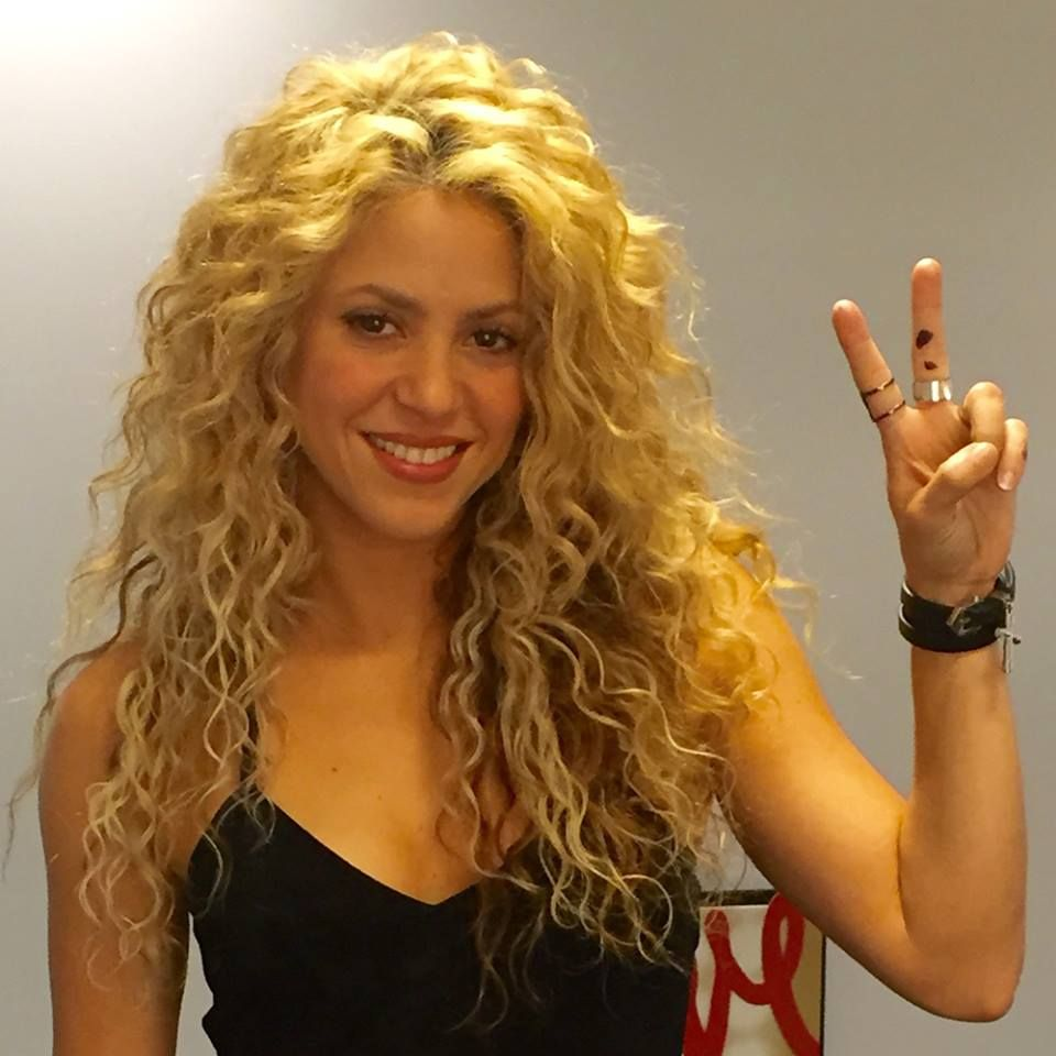 shakira hair style pin by purple orchid on hair curly hair 5355