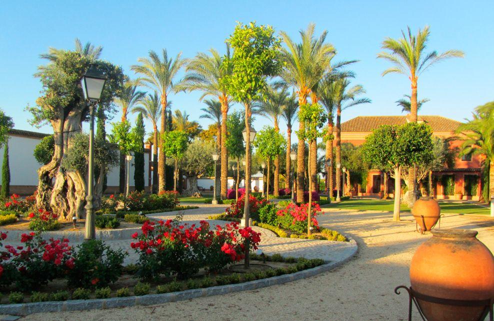 Jardines de la hacienda ballemari en la ribera huelva for Jardines de la hacienda