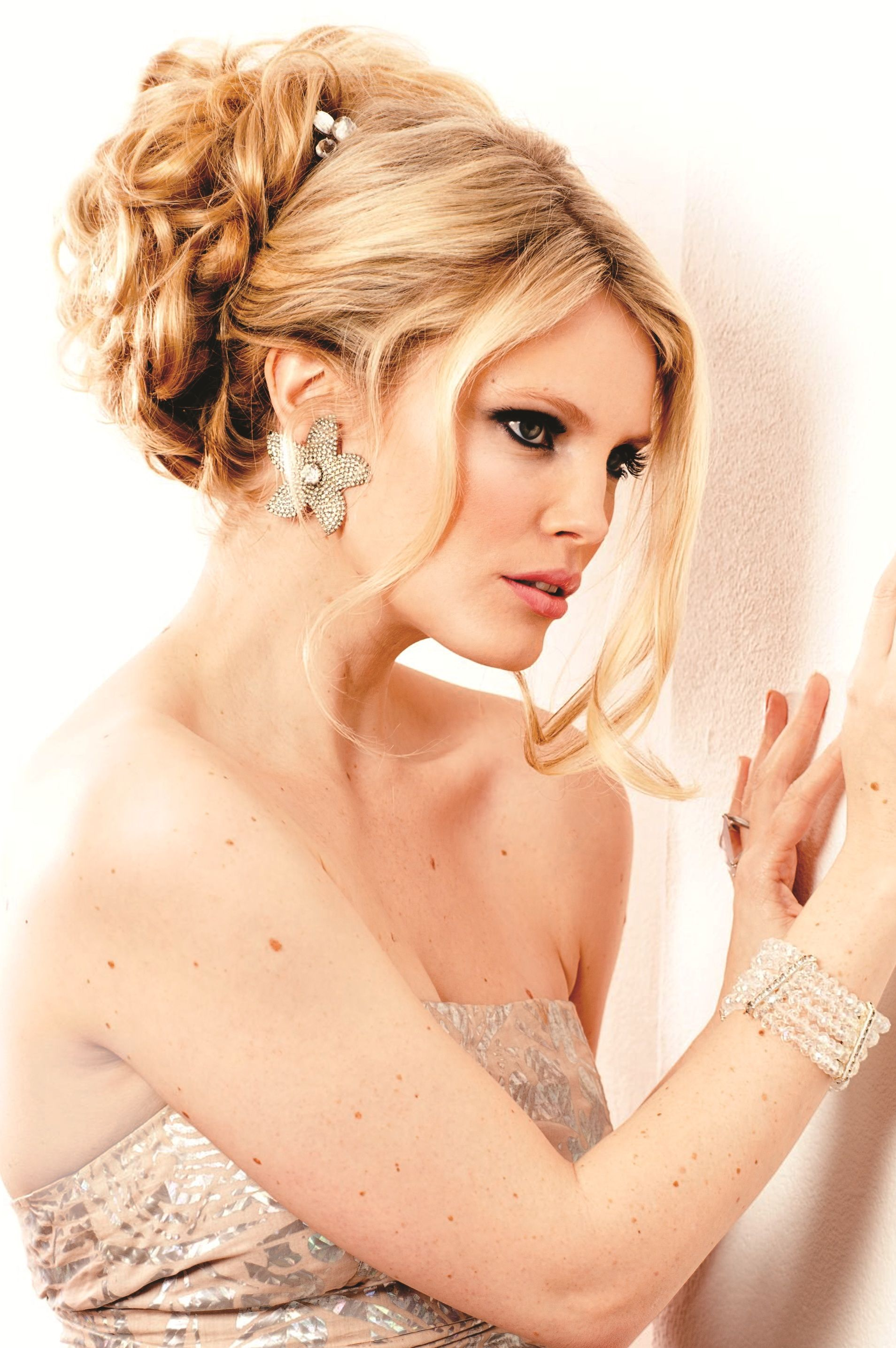 Hair extensions for weddings bridal photoshoot using