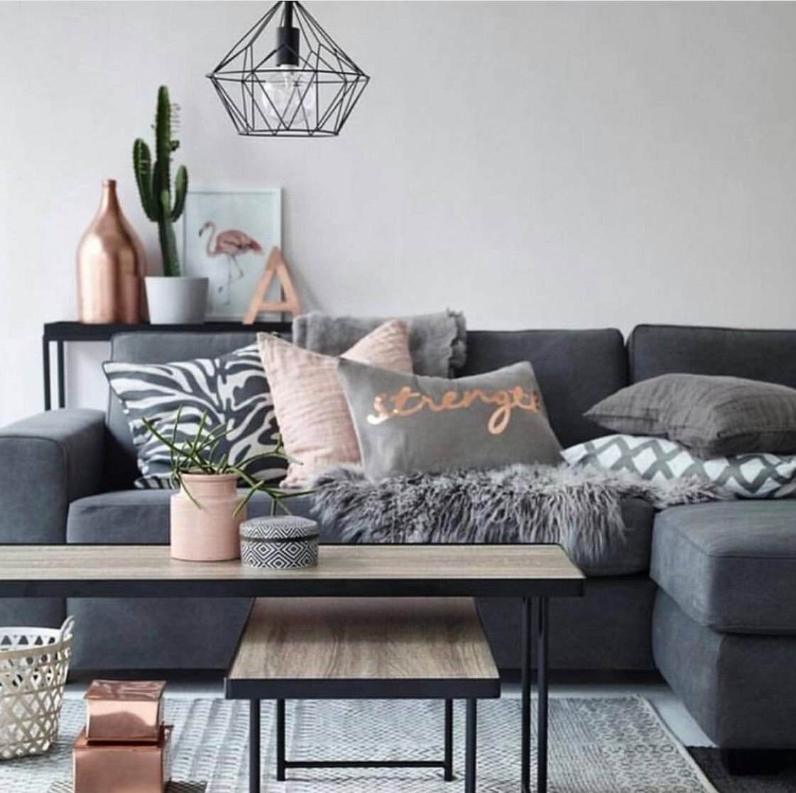 Gray Neutrals With Bronze Accents Deco Salon Decoration Interieure Deco Interieure Bronze living room decor