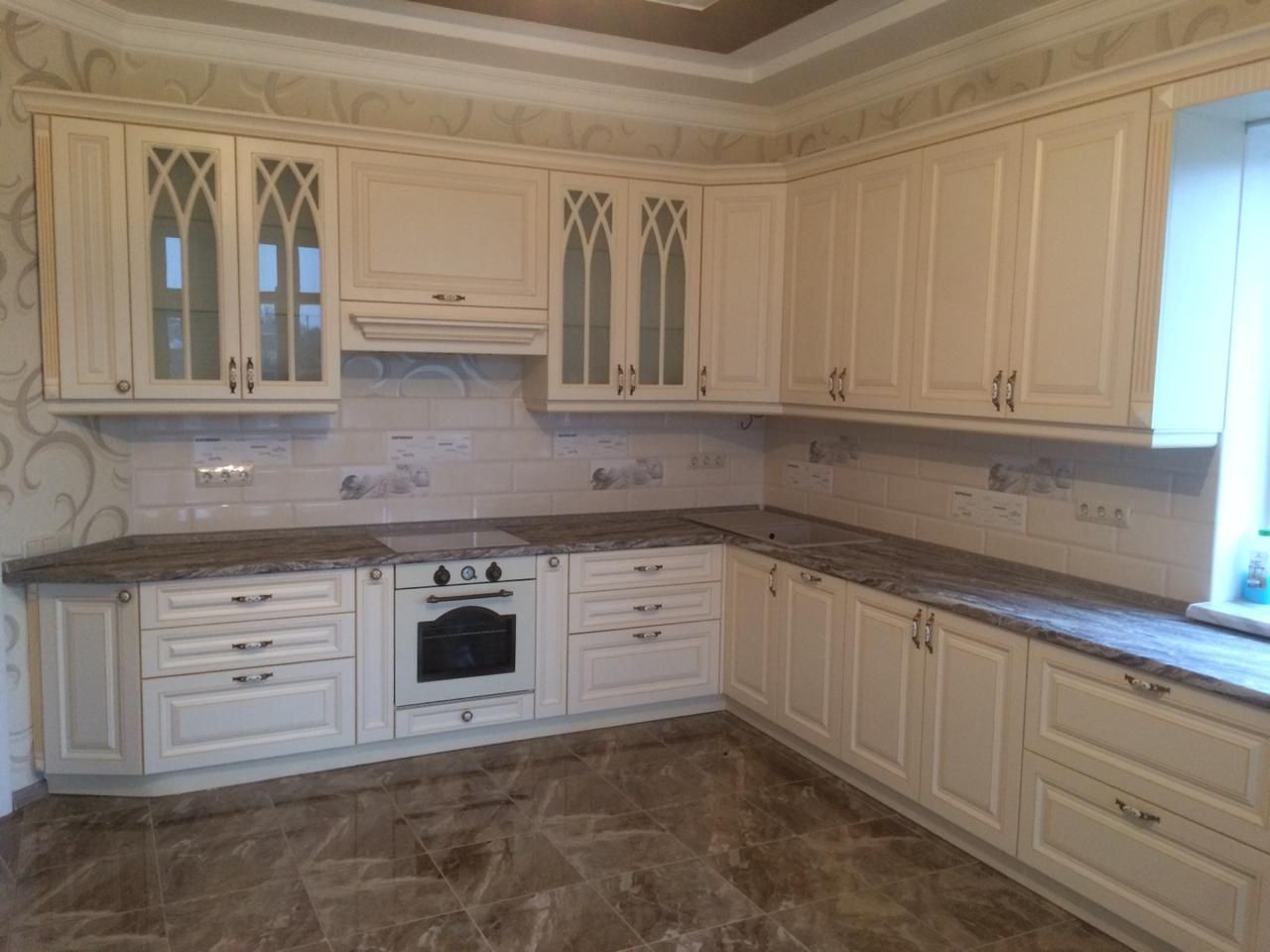 Pin By Visy Pal On Interer Sreda Obitaniya In 2020 Kitchen Cabinets Kitchen Decor