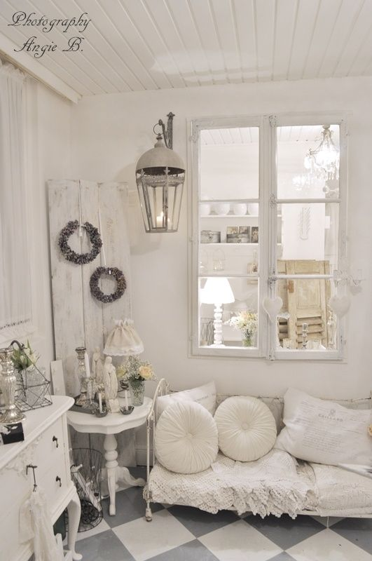 Shabby chic yummy vintage whites white decor romantic for Living room 94 answers