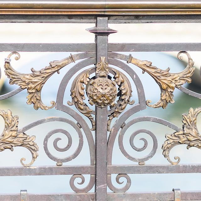 Detail from my second favorite bridge in Paris, Pont Notre-Dame. Wishing you a beautiful week! More Paris @aparisianmoment and travel @photosbydcp