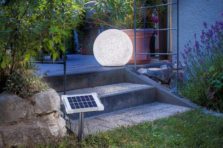 mit solarleuchten einfach mehr aus deinem garten machen der traum vom gartenteich pinterest. Black Bedroom Furniture Sets. Home Design Ideas