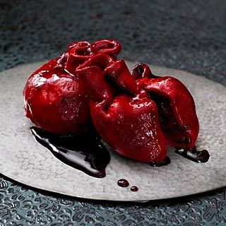Human heart shaped cupcake!--The twisted PT in me is in love w/ this recipe:) Yay!