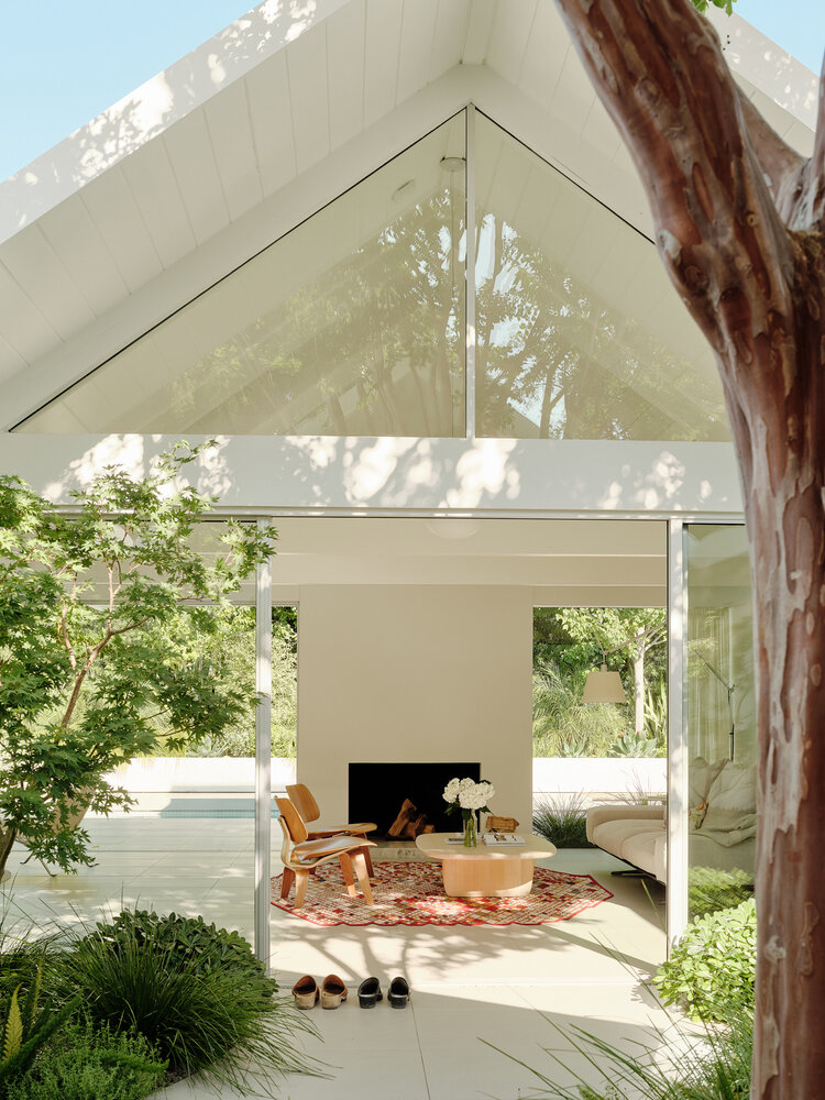 Twin Gable House Ryan Leidner Architecture In 2020 Gable House Mid Century House Mid Century Modern House