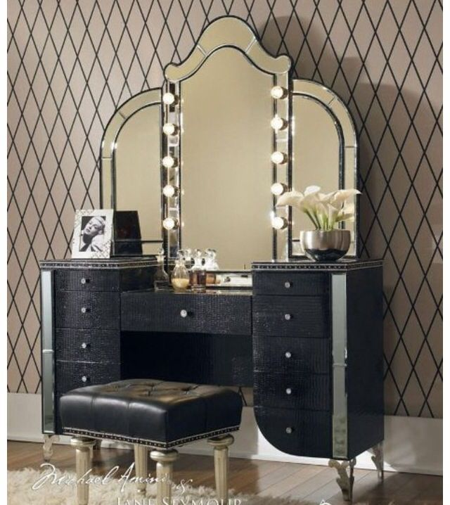 Aico Hollywood Swank Vanity with Bench Set 3 Piece in Black Iguana by  Michael Amini Aico AminiClassic black makeup dresser   Home decore   Pinterest   Makeup  . Light Up Vanity Set. Home Design Ideas