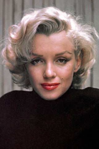 10 celebrities known for their famous hair color  Marilyn Monroe. 6861e58e2e
