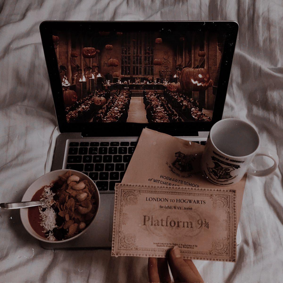 Pin By Dreamer On Aesthetic Seasons Holidays Hogwarts Potterhead Seasons
