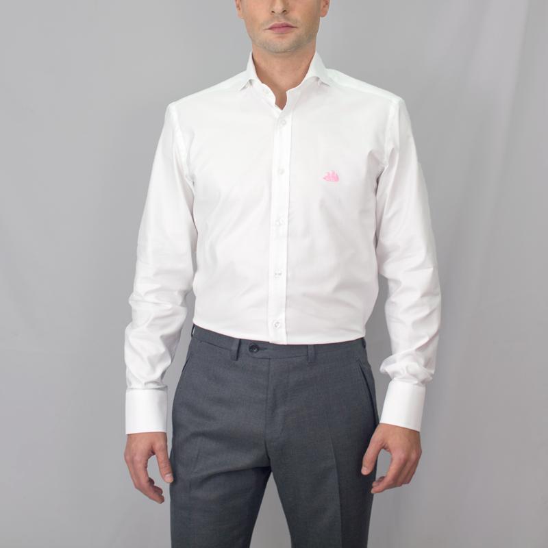 Camisa Blanca Con Cuello Italiano Muy Abierto Estilo Cutaway Y Botones Bajo El Cuello Para Usarla Tanto Para Vestir Como Sport Pued Camisa Blanca Camisas Moda