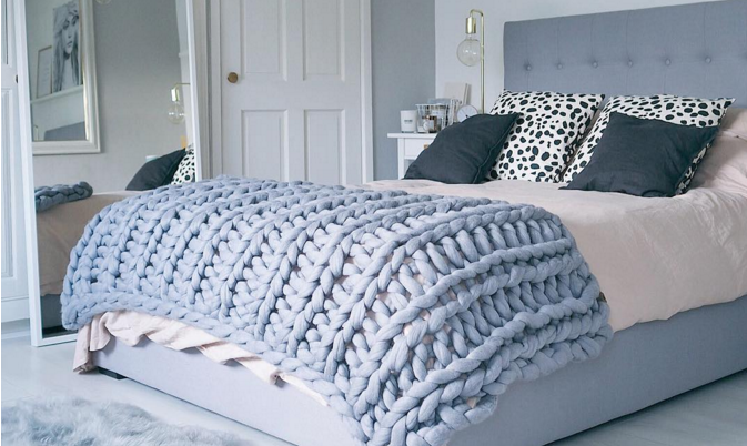 Super size = super comfy. You Can Make This Cozy, Oversized Knit Blanket in Less Than 4 Hours