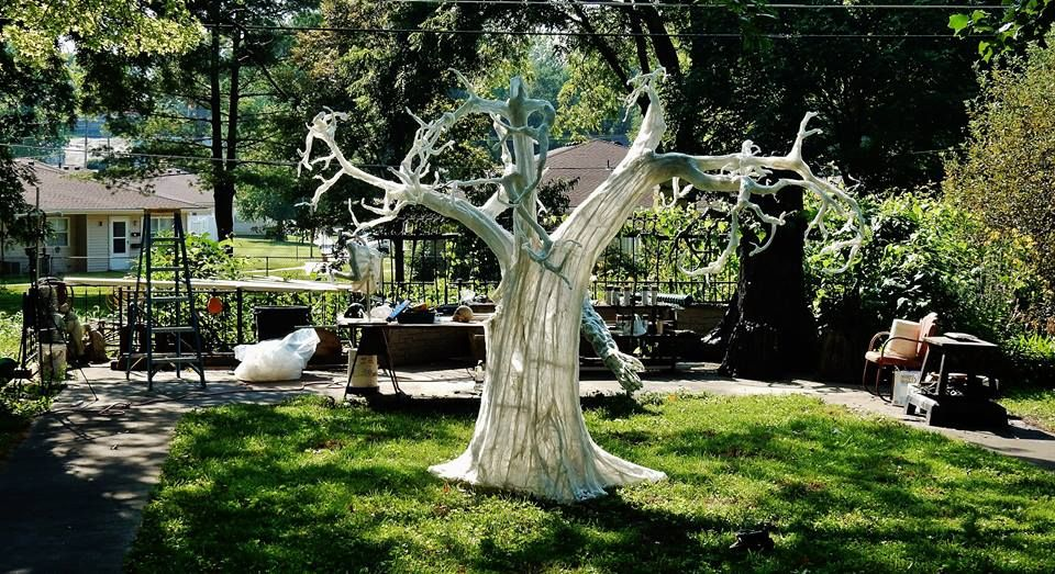 Mike Bachman- Chicken wire and plastic Halloween tree | A Haunting ...