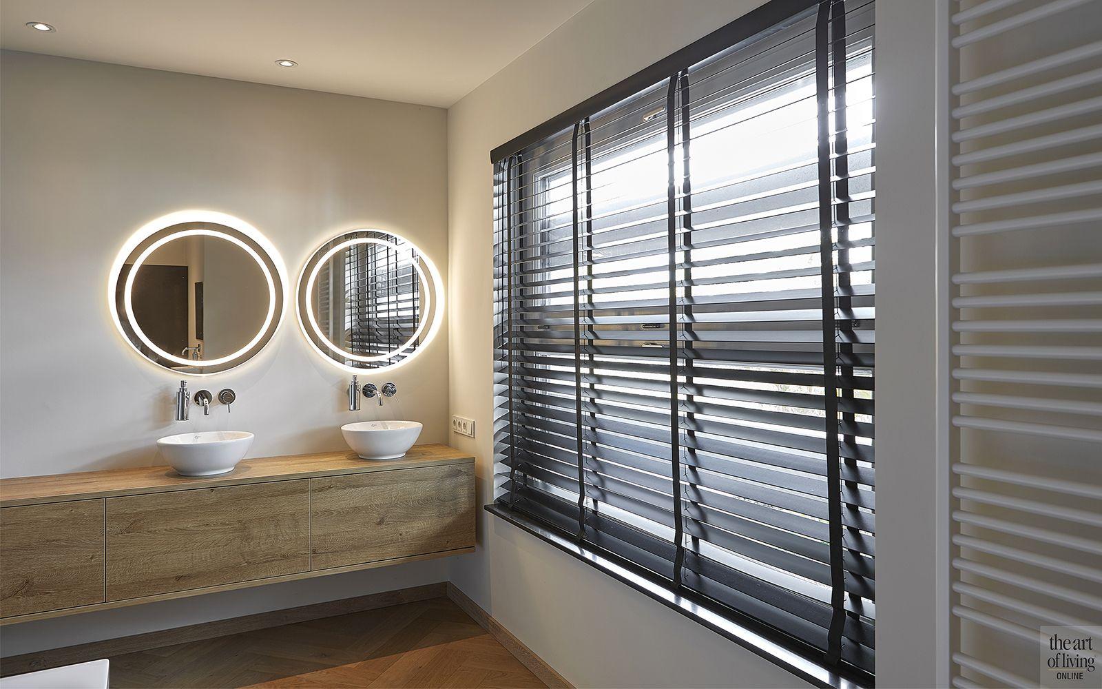 Ronde Spiegel Badkamer : Luxe boerderij interieur badkamer theartofliving eu bathroom