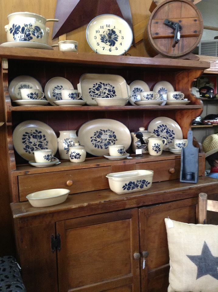 36 Stylish Primitive Home Decorating Ideas: Love These Pfaltzgraff Dishes, Olde Crow Antiques
