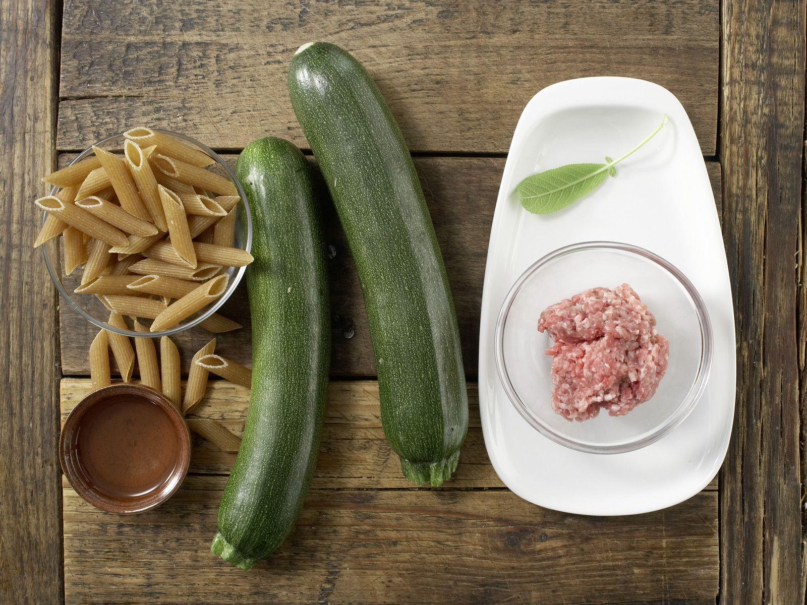 Zucchini Nudel Brei Mit Hackfleisch Rezept In 2020 Hackfleisch Rezepte Furs Baby Und Babynahrung