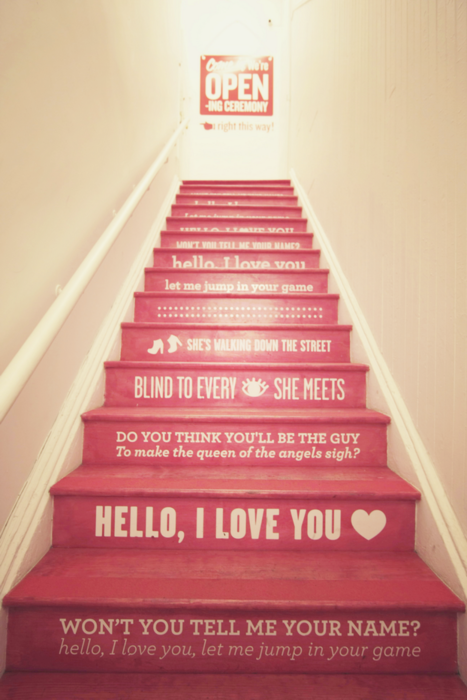 This makes me wish I had stairs in my house :)