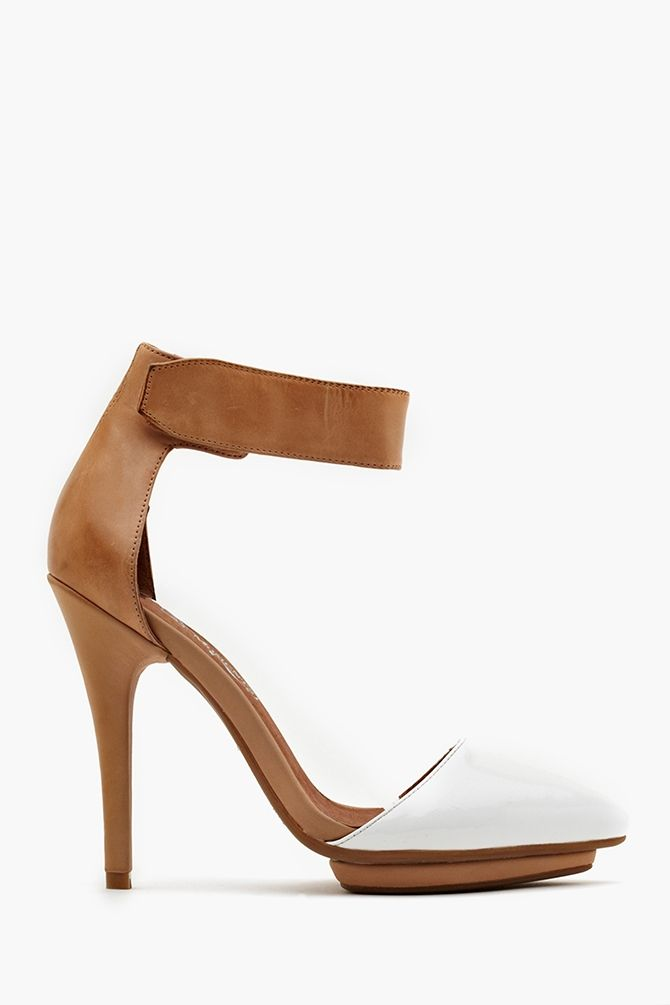 Want a white shoe, but I have too much feet! Solitaire Platform Pump in White Patent, a niiiiicccceeee solution. But, will I ever wear heels again?