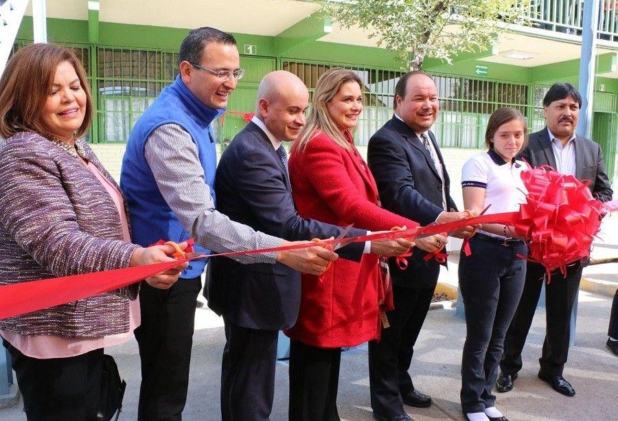Acompaña La Torre a alcaldesa de Chihuahua al inicio de programa de apoyo a escuelas | El Puntero