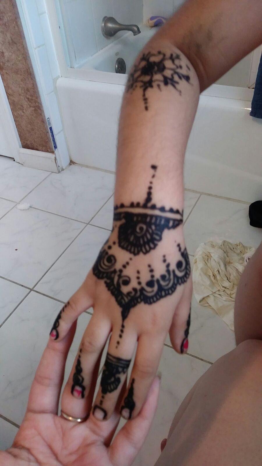 النقش اليمني Yemen Nagsh Hand Tattoos Henna Hand Tattoo Hand Henna