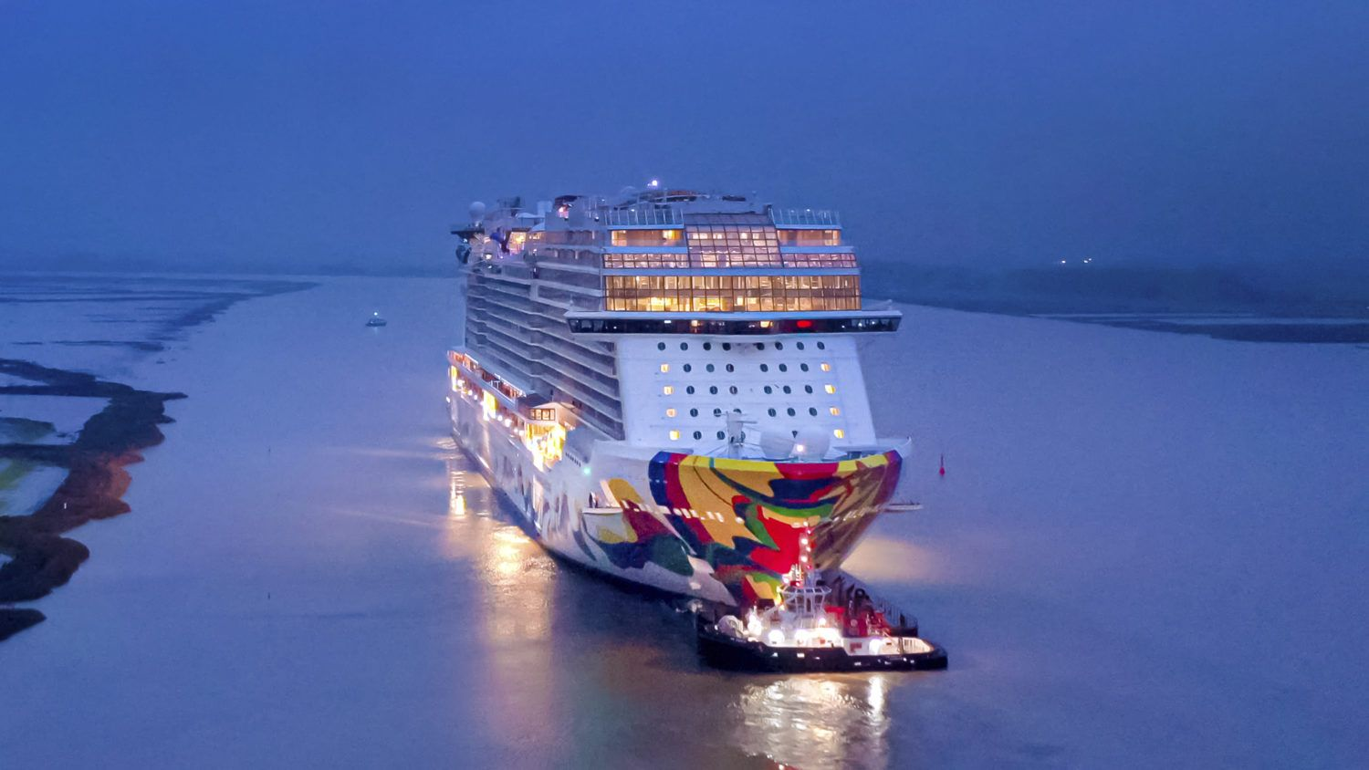Norwegian Cruise Line S Newest Ship Leaves Shipyard With Images
