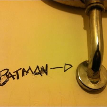 Cool Bathroom Graffiti batman. en un baño público. | bathroom art | pinterest | bathroom