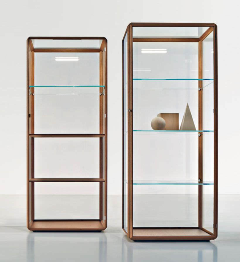 vitrine contemporaine en bois en verre clair e 45 by ron vitrine en verre. Black Bedroom Furniture Sets. Home Design Ideas