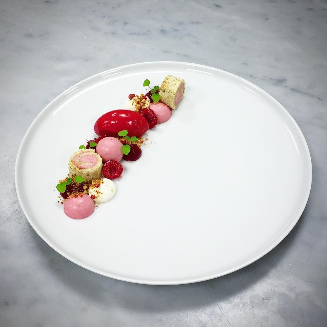 """Foodstar Daniel Gustavsson (@chefgustavsson) shared a new image via Foodstarz PLUS /// Raspberries, Pistachio and Yoghurt  #raspberry #pistachio #yoghurt…"""