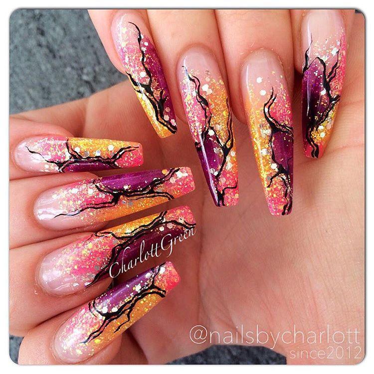 • Throw back • #naile #nails #nailart #naglar #nagelterapeut #nailtech #nailporn #nailpro #nailswag #nailinspo #insponails #nagelinspo #gelnails #gelenaglar #nagelförlängning #glitter #handpainted #stenungsund