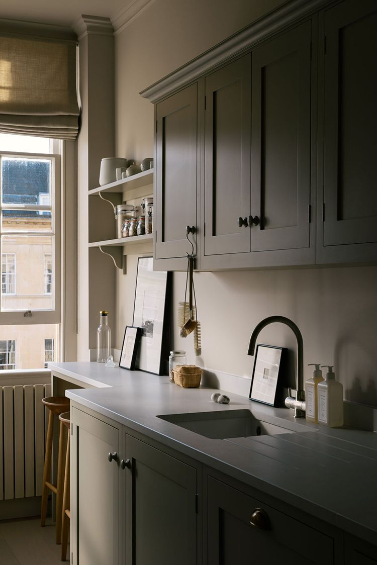 Small galley kitchen with bespoke breakfast nook in 2019 ...
