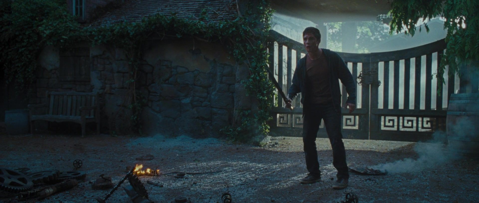 Percy Jackson: Sea of Monsters - Percy Jackson Sea Of Monsters 2013 1080p kissthemgoodbye net 0728 - High Quality MOVIE SCREENCAPS Gallery