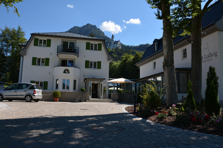 Herzlich Willkommen In Unserem Hotel In Hohenschwangau Https Www Suitehotel Neuschwanstein De De