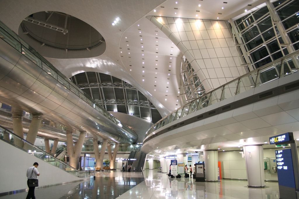 Incheon International Airport Seoul Is One Of The Largest And - 10 most beautiful airports in the world