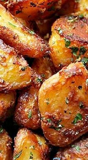 The Best Crispy Roast Potatoes Ever Recipe #dinnersidedishes
