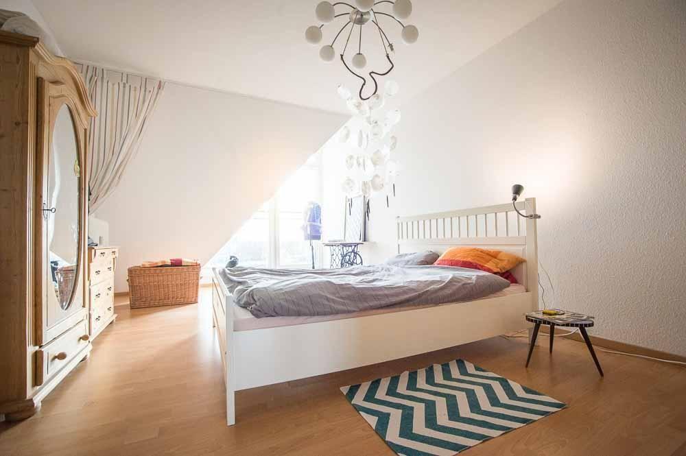 Gemütliches Schlafzimmer ~ Gemütliches schlafzimmer mit großen fenstern schlafzimmer