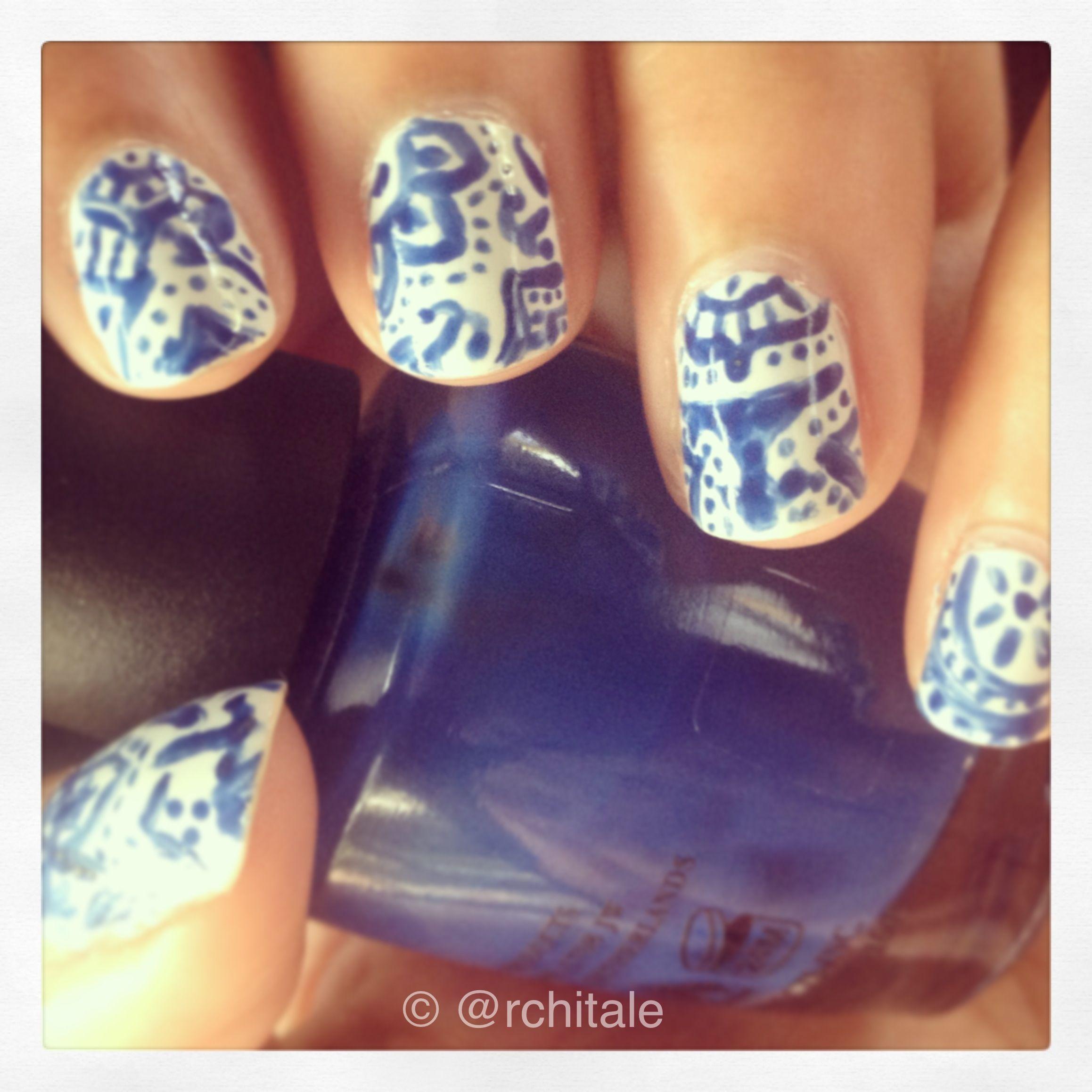 Blue ceramic pattern. #chalkboardnails