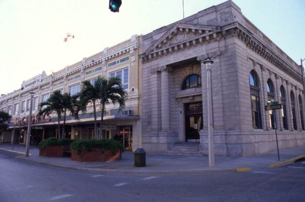 First National Bank Building On The Southeast Corner Of 1st And Hendry Streets In The Fort Myers Downtown Commercial Distric Banks Building Fort Myers Downtown