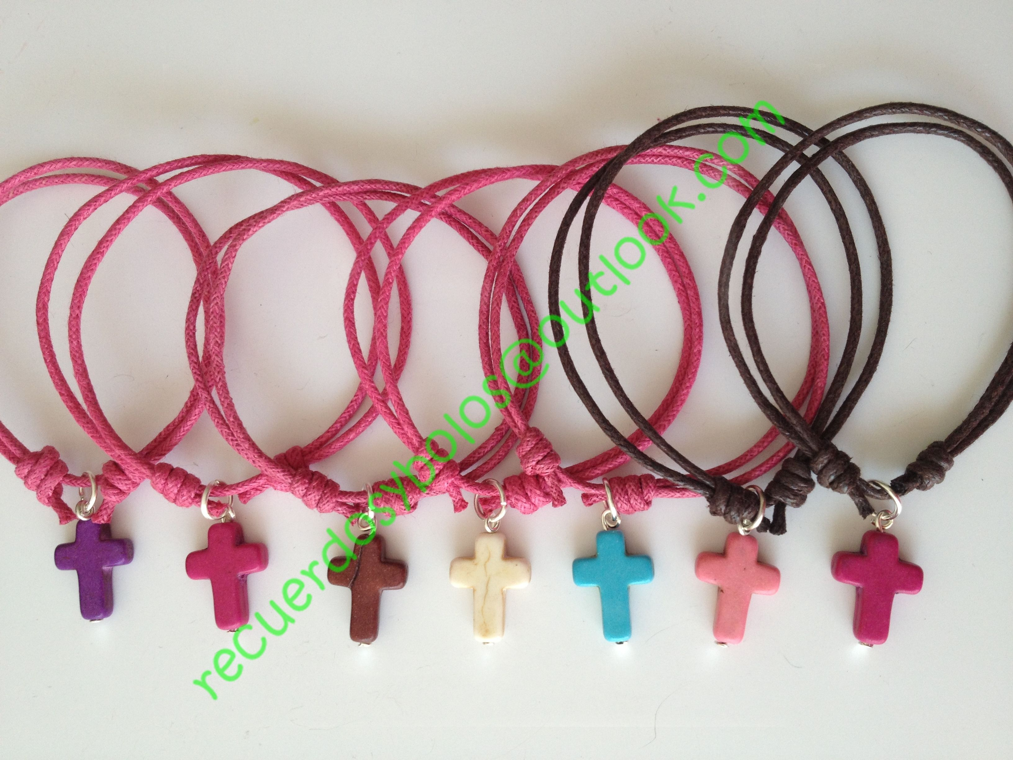 Pulseras con cruz turquesa como recuerdos para niñas de Primera Comunion 12.00 cu