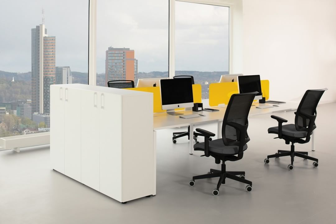 A Winning Solution For Any Office Environment With Various Thicknesses And Options To Choose From The Nova U Desks P Office Storage Office Office Environment