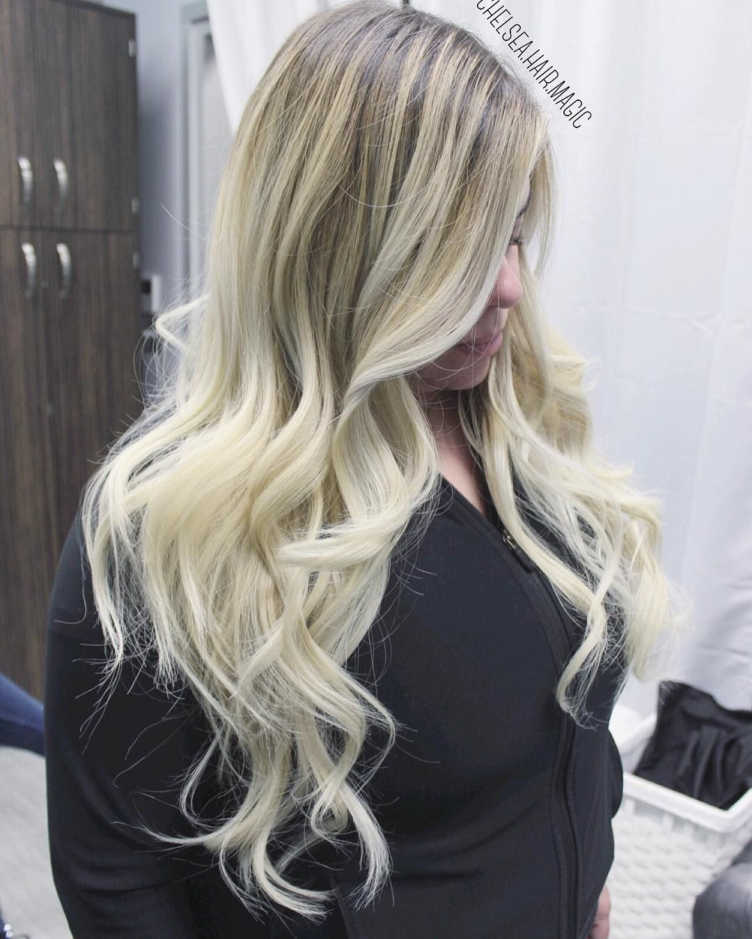 2 sessions Rooty blonde from dark brown hair  Due to high volume in texts please be patient and allow up to 3 days for response! Please schedule your apts in advance so you insure you have the dates and times that are good for you. I book out pretty quickly! You may text or call (281)-636-2562 for apts!  #balayage #houstontx #houstonhair #houstonombre #houstonsalon #houstonsbest #houstonbalayage #houstoncolorist #houstoncolorspecialist #houstonhaircolor #houstonhairstylist #houstonhairsalon…