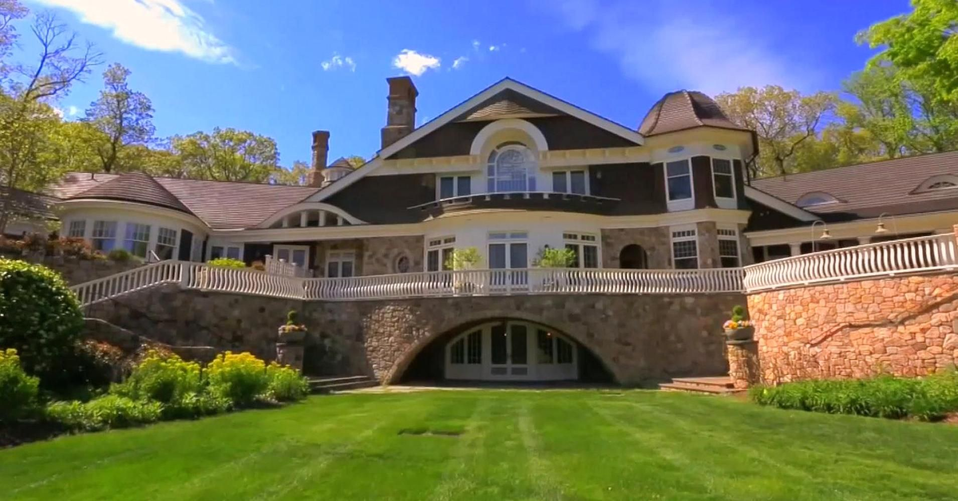 This $39 million New Jersey mansion has a 7-figure wine ...