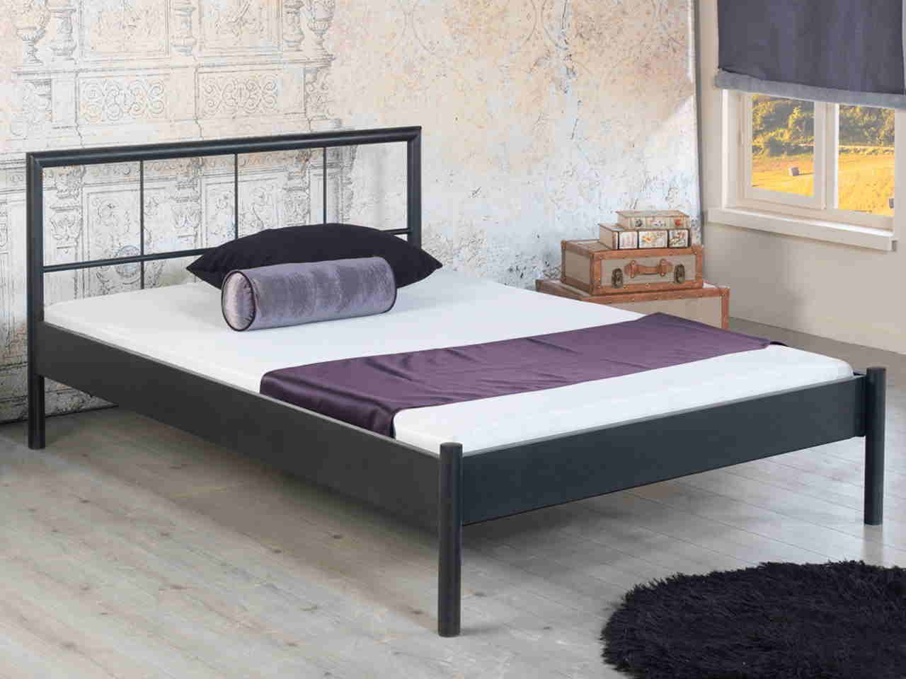 Metallbett Daisy In 2020 Ikea Metallbett Schwarz Bett Ideen Bett