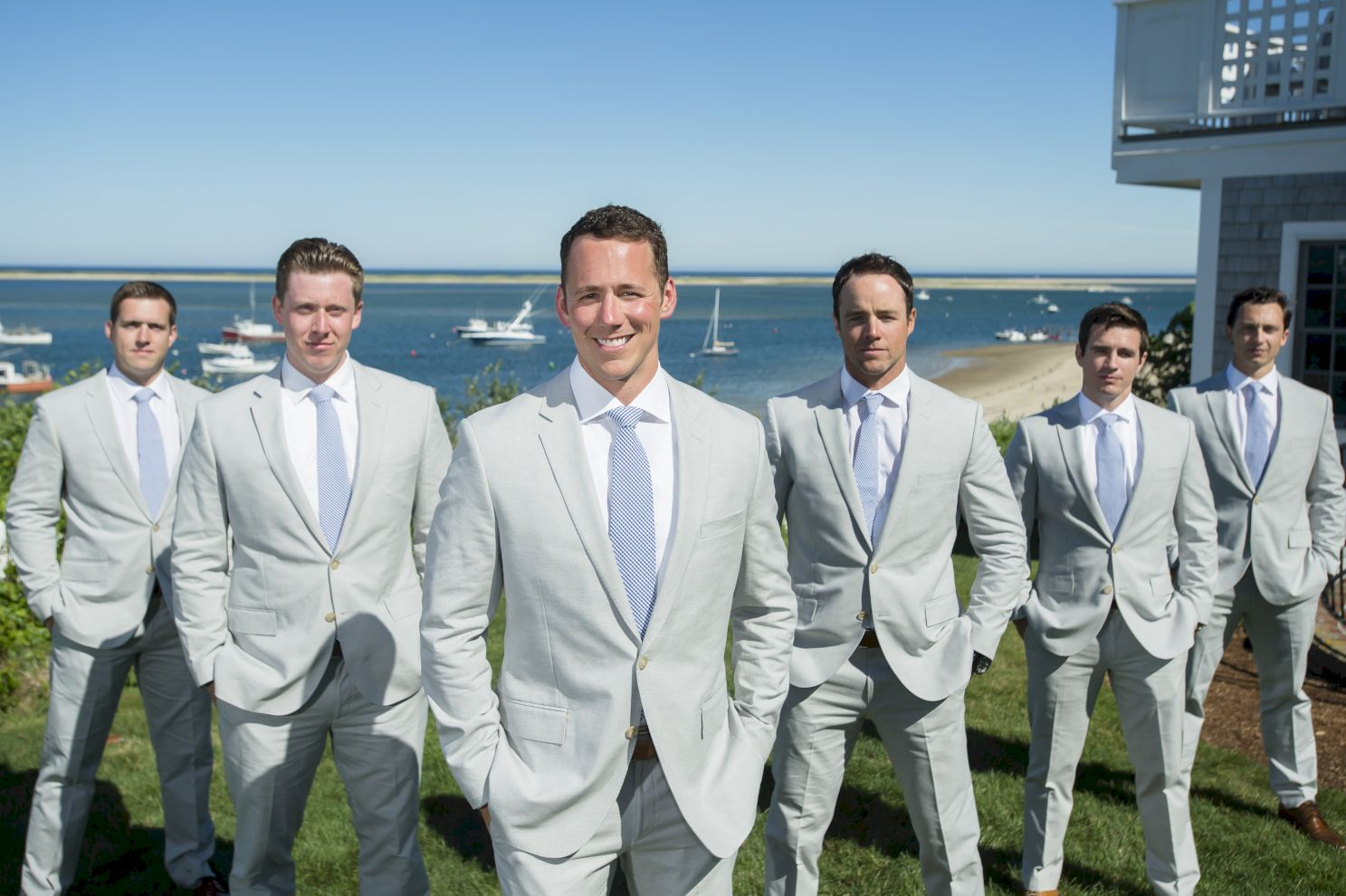 69 Charming Grey Groomsmen Suits Ideas | Gray groomsmen suits, Gray ...