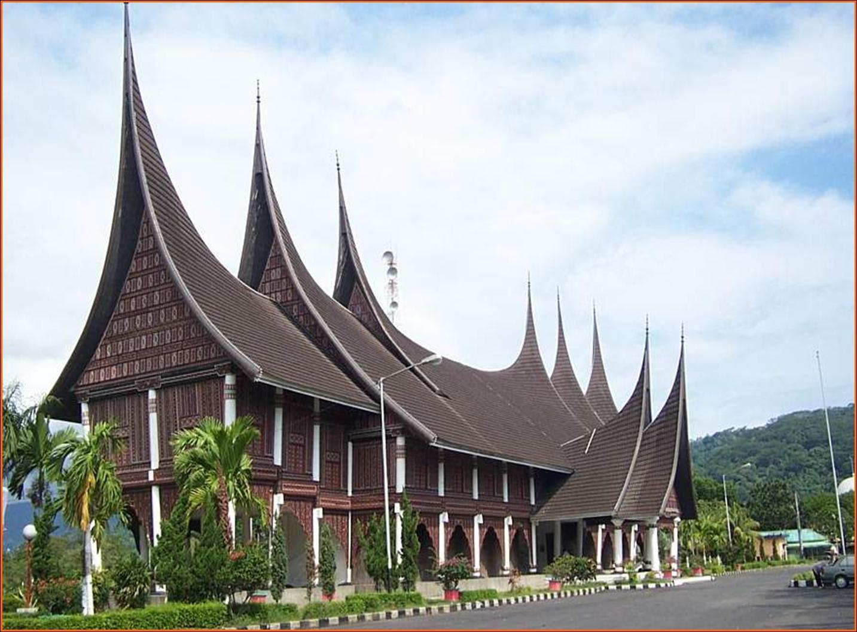 Nama Rumah Adat Sumatera Barat