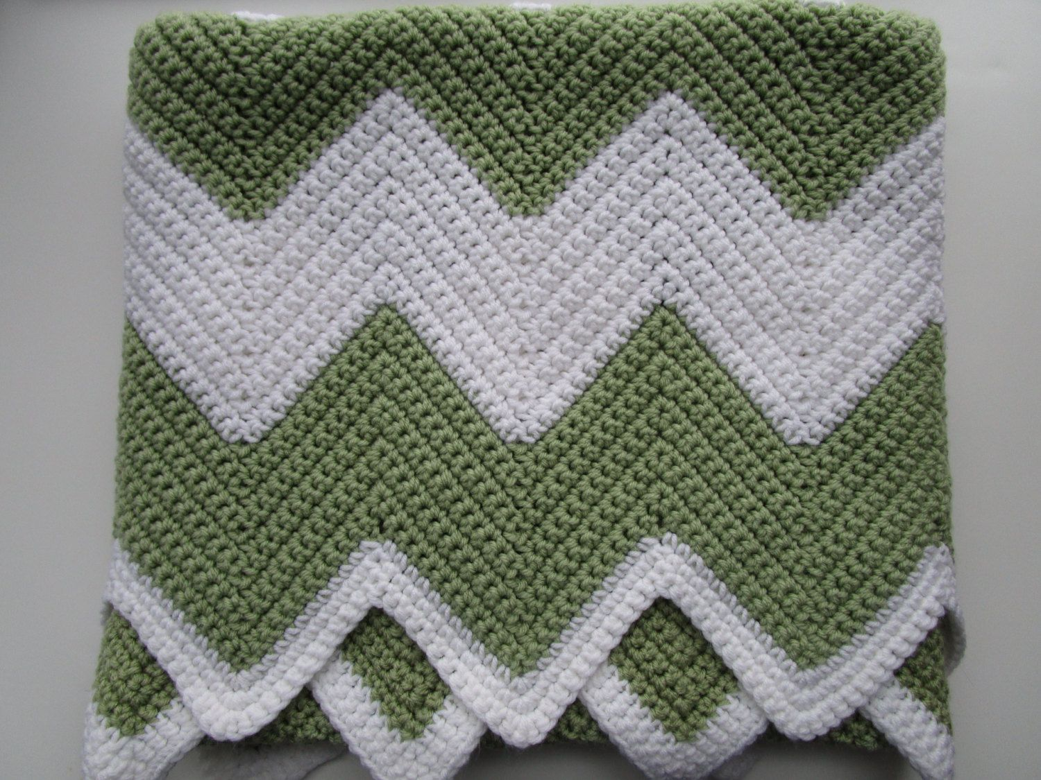 This PDF crochet pattern with a lovely Chevron pattern, is perfect ...