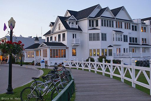 Hotel Iroquois On Mackinac Island Michigan While Small For A Hotel With 46 Rooms And Suites T Mackinac Island Michigan Mackinac Island Pictures Of Michigan